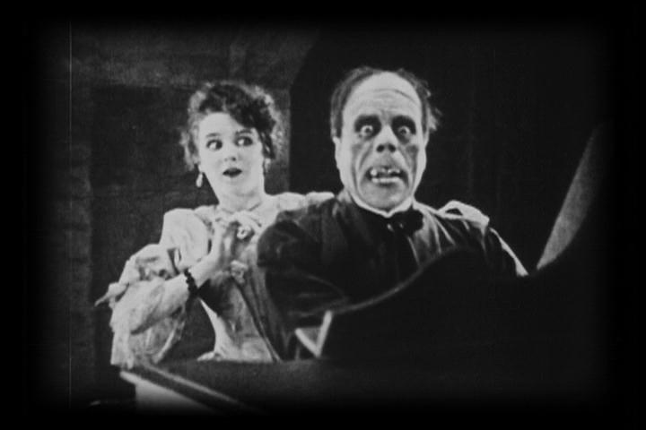 Lon Chaney, Sr., and Mary Philbin in the 1925 Phantom film. Yes, 1925--not the 1929 remake. I know my screenshots when I see them.